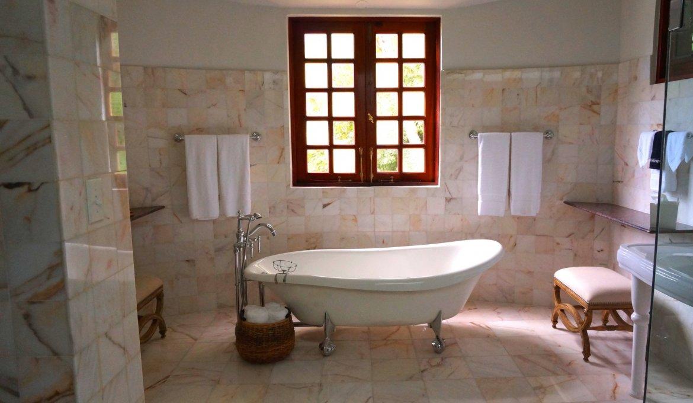 Mała łazienka Z Oknem Jak Ją Zaaranżować Slodkidomcompl